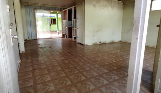 ハワイ不動産投資情報 ワイパフ、シービューの2棟物件:ひどい状態の家