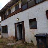 マカハの2戸1物件:状態がかなりひどい家